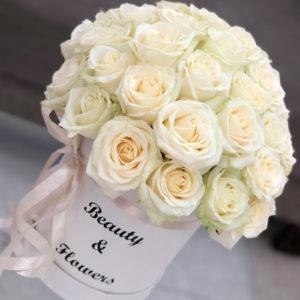 замовити 25 білих троянд в коробці