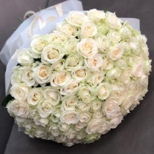 """замовити 101 біла троянда """"Люблю!"""""""